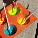 Teeme ise munast ja kriidist värvi.
