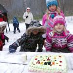 Talvine sünnipäevapidu õues