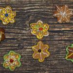 Meie pere jõulutraditsioonid: piparkoogimajad, mulgikapsad, jõulukeeks