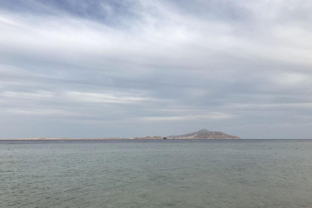 Eemalt paistab Tirani saar. Kalavaatluseks hea koht.
